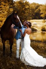 Свадебная фотосессия с лошадью