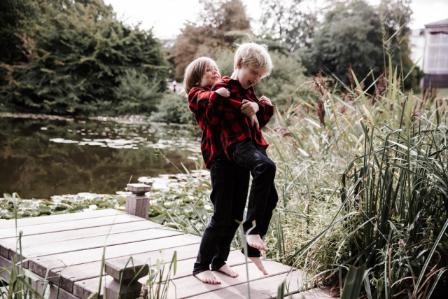 Семейная съёмка в парке, детский фотограф в Копенгагене
