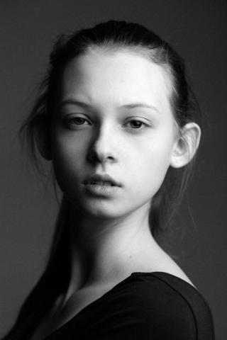 Фотосессия в студии, чёрно-белый портрет
